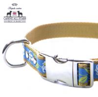 DOG COLLAR - RETRO DAISIES ON BLUE